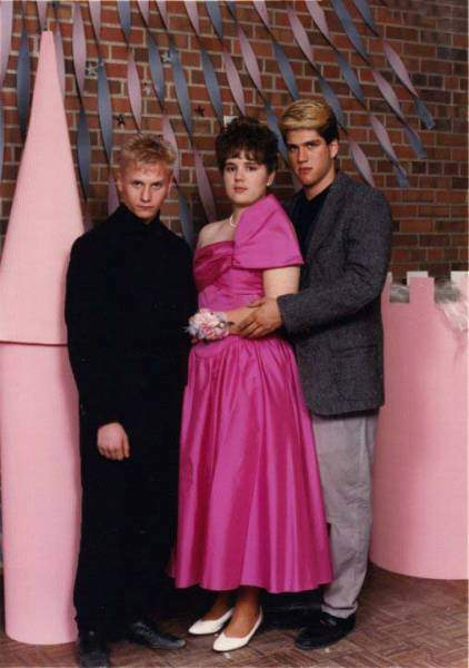 probably_the_most_awkward_prom_photos_ever_taken_640_12